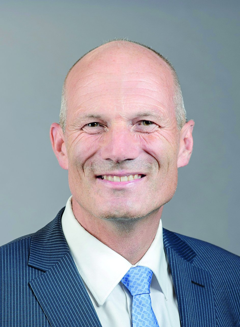 Jürg Burri, ambasciatore, direttore della Direzione consolare dal 2014 al giugno 2018: ambasciatore svizzero in Polonia e Bielorussia a partire dall'estate 2018.