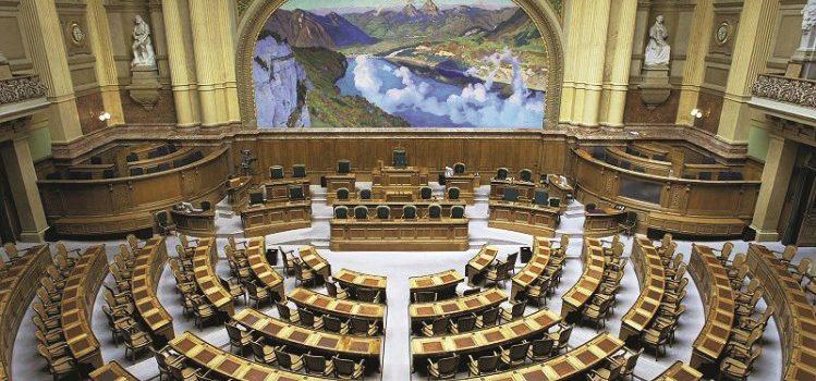 Gli Svizzeri all'estero al centro dell'interesse dei partiti in vista delle elezioni federali